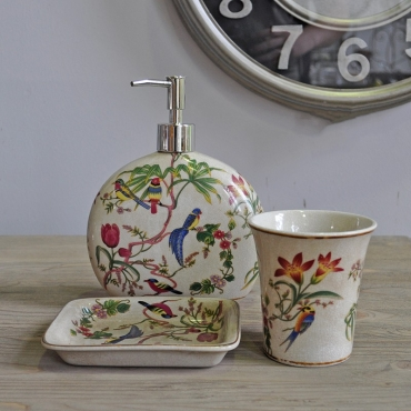 SET DE TOILETTE EN PORCELAINE